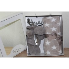 Pierre Cardin gift set  soft blanket with reindeer plush